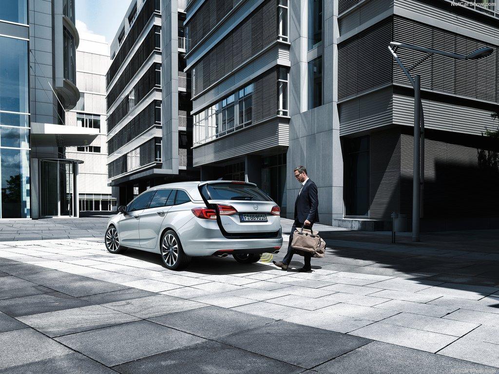 Opel-Astra_Sports_Tourer-gepek