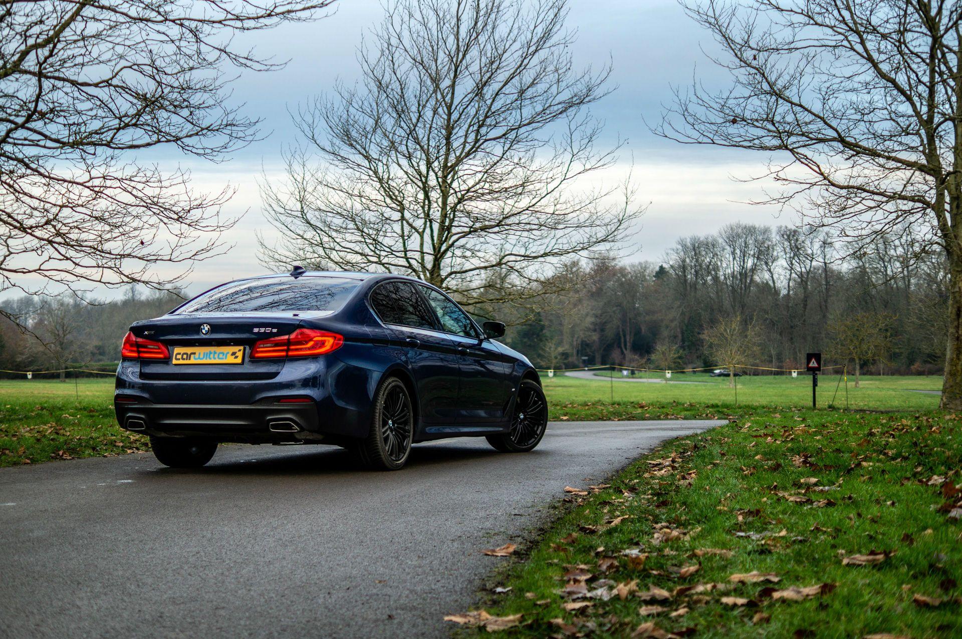 BMW 530e pogled odpozadi